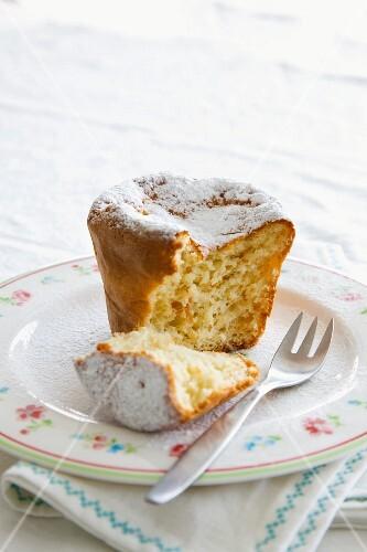 Small coconut cake