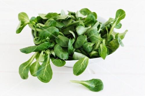 A bowl of lamb's lettuce