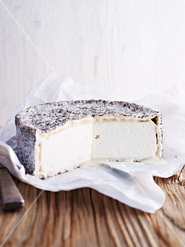 Chavre (goat's cheese with herbs, Belgium)