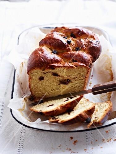 Sonntagsstuten (teacake) with currants