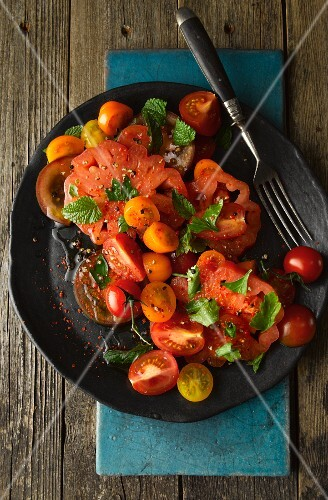 Tomato salad with mint (Turkey)