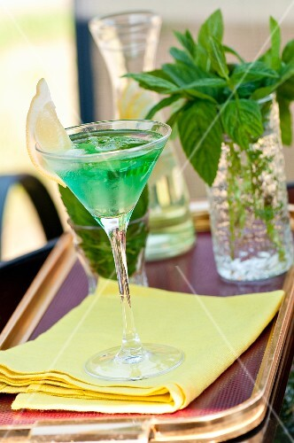 A mint cocktail with gin
