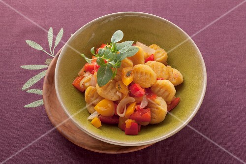 Gnocchi alla susana (gnocchi with tomatoes, pepper and marjoram)