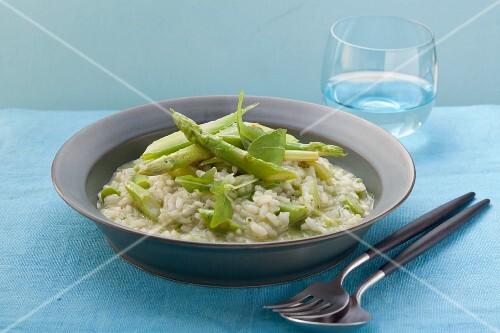 Risotto con gli asparagi (risotto with green asparagus)