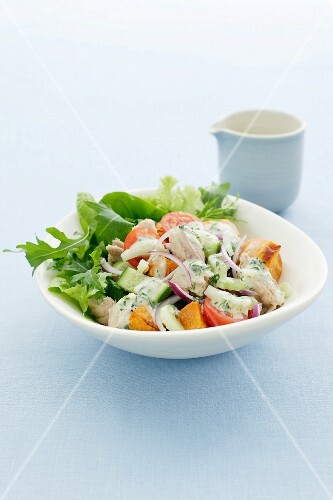 Sweet potato salad with tuna and rocket
