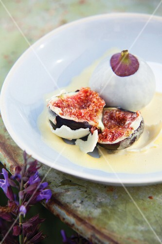 Figs coated in white chocolate with champagne sabayon