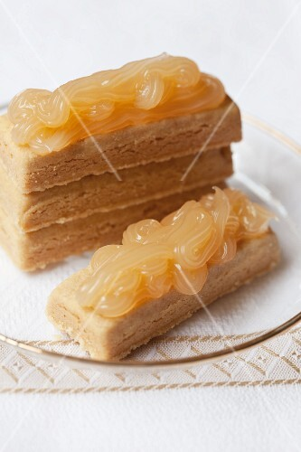 Shortbread slices topped with lemon curd