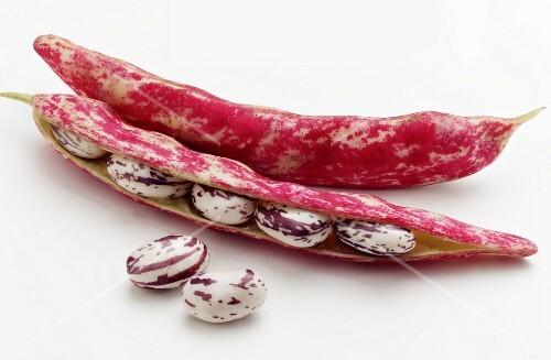 Borlotti beans in the shell