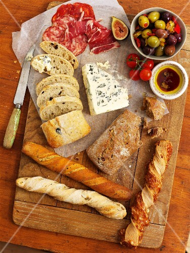 Anti-pasti and various types of bread