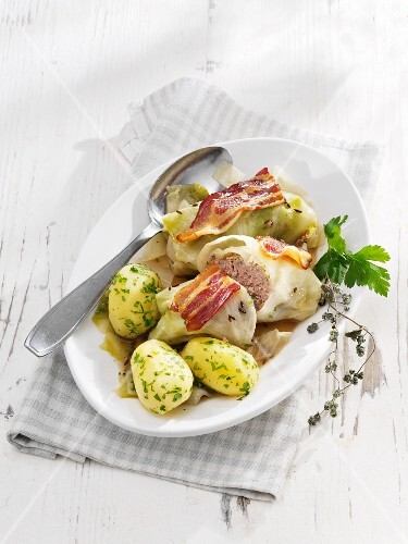 Cabbage roulade with bacon and parsley potatoes