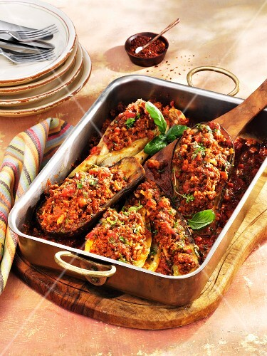 Vegetables filled with minced lamb