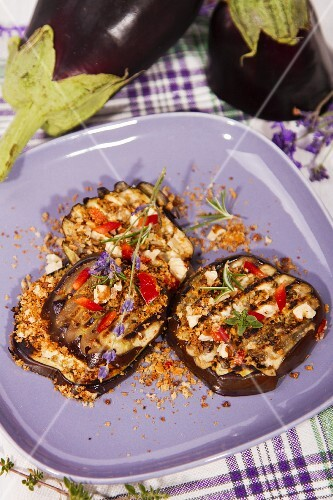 Grilled aubergines with spicy crumbs