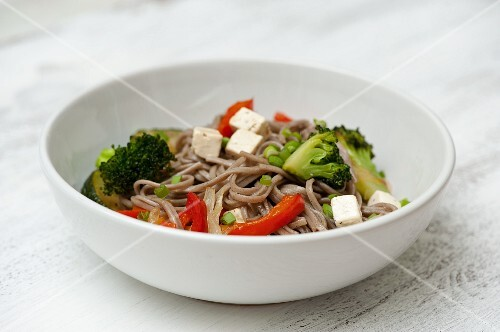 Soba noodles with vegetables