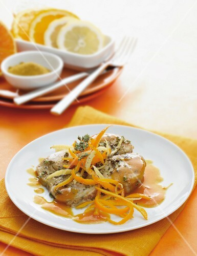 Tuna with orange and a curry sauce