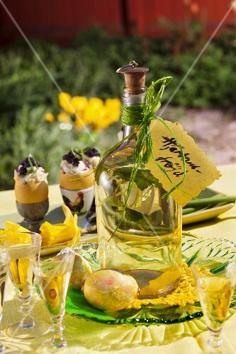 Easter schnapps with lemon balm (Sweden)