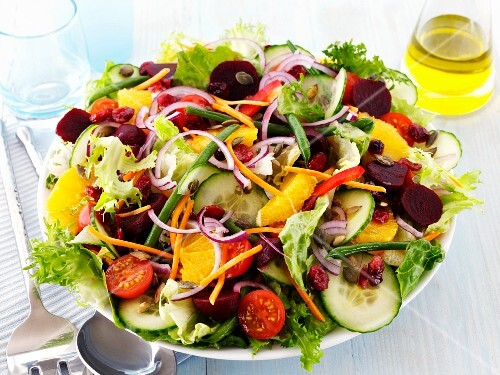 A colourful salad with oranges
