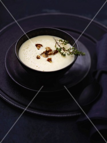 Foamy parsnip soup with croutons