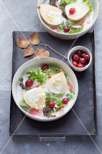 Pears with cream cheese filling