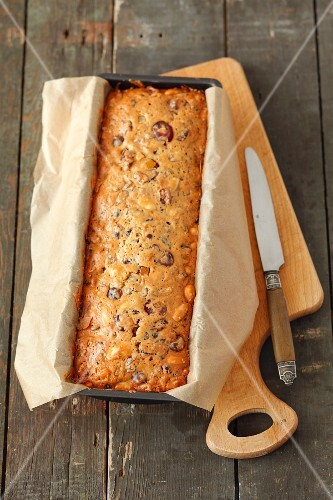 Nut cake with almonds, dried fruit and glacé fruits