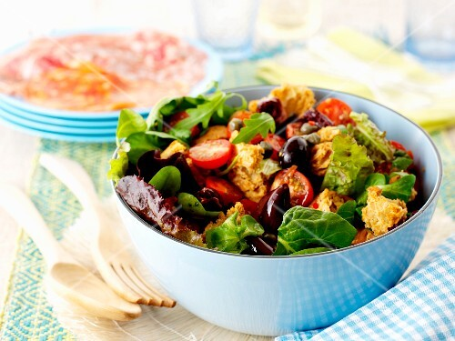 Panzanella with olives