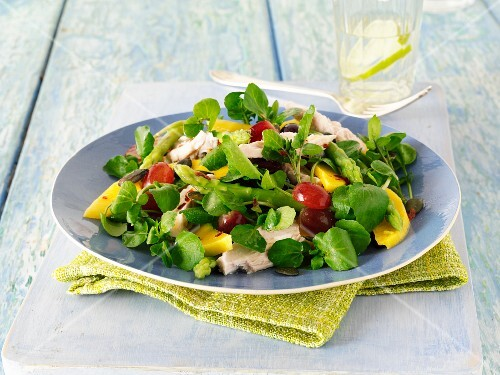 Watercress salad with mango