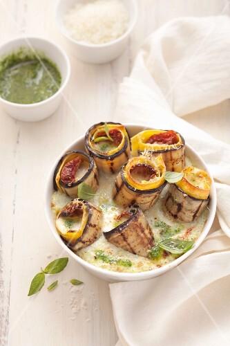 Gratinated aubergine lasagne rolls