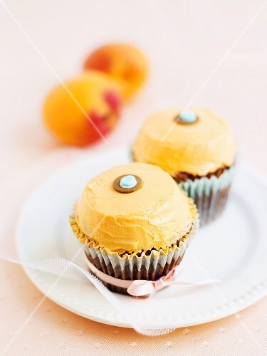 Cupcakes with yellow butter cream