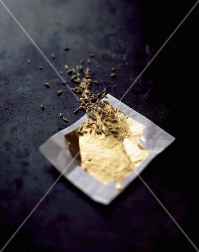 Leaf gold and fennel seeds