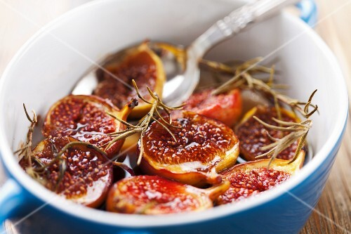 Pesche al balsamico (baked figs with balsamic vinegar, Italy)