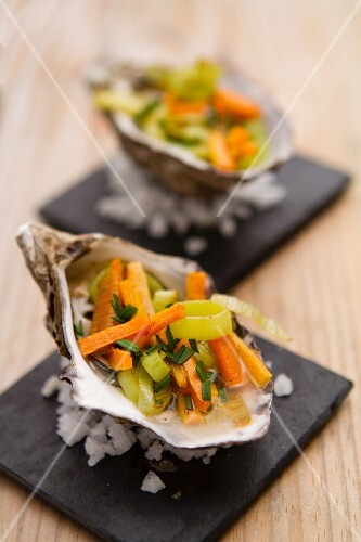 Oysters filled with vegetables