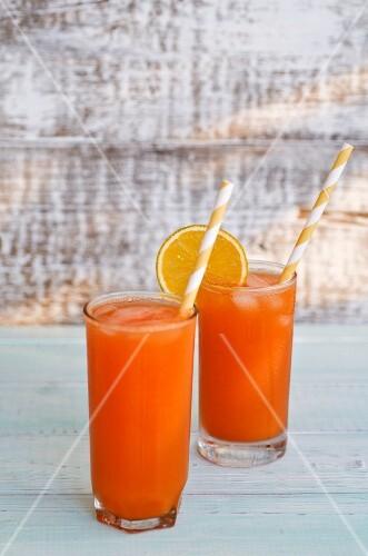 Papaya drinks with oranges