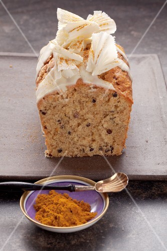 Spiced cake with white chocolate