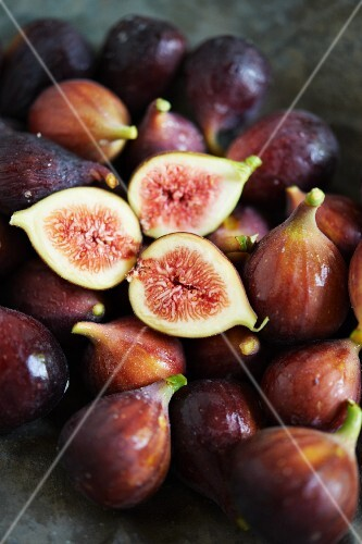 Fresh Figs; Whole and Sliced