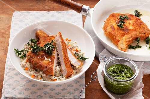 Breaded cutlets with pesto