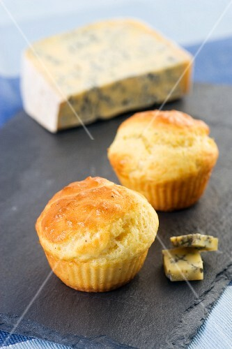 Muffins with blue cheese