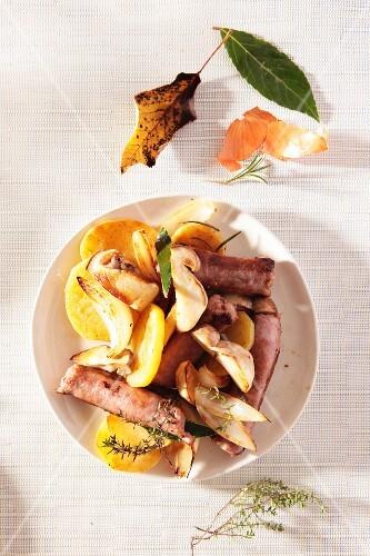 Funghi, salsiccia e patate (porcini mushrooms, sausage and potatoes)