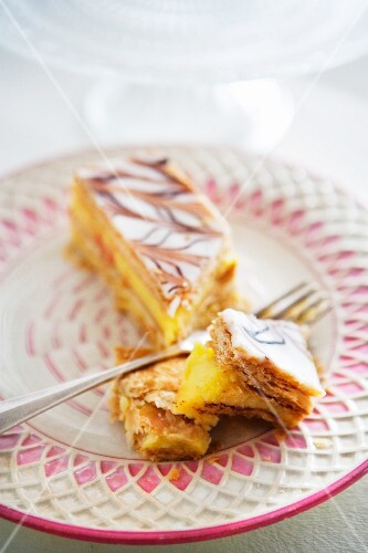 Mille-feuille filled with blancmange