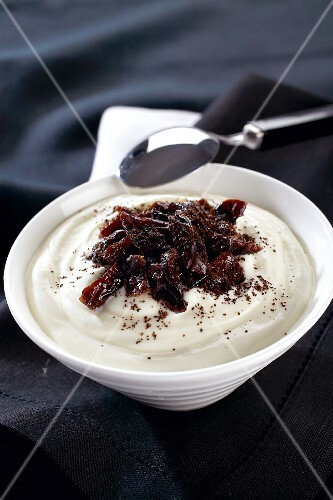 Cream cheese with prunes