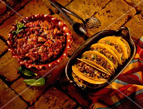 Beef chilli with tacos (Mexico)