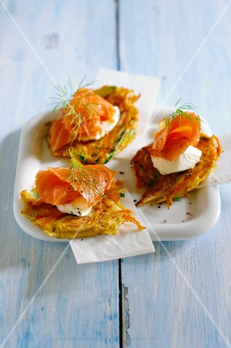 Bubble and squeak topped with smoked salmon