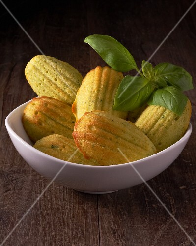 Savoury madeleines with pesto