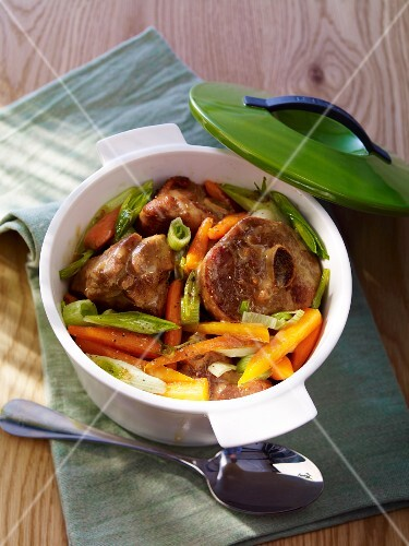 Osso buco of turkey with vegetables