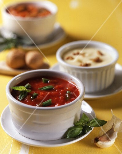 Tomato sauce with green beans and cheese sauce with croutons