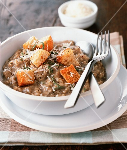 Mushroom risotto with herbs and croutons