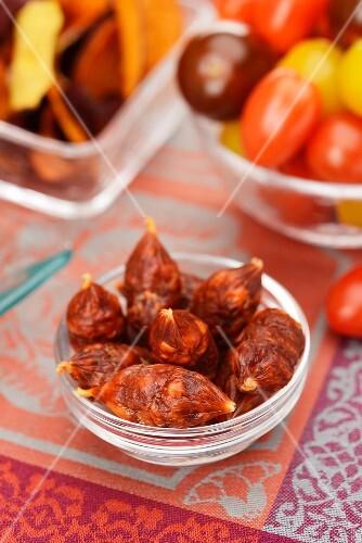 Chorizo, cherry tomatoes and vegetable crisps
