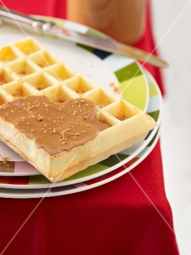 Waffles with spice-flavoured topping