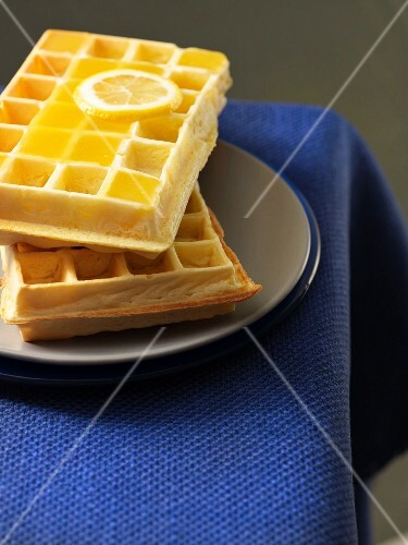Waffles with lemon curd