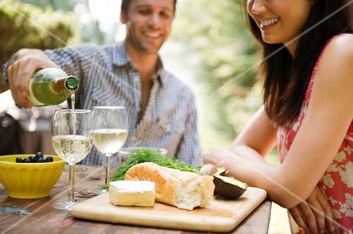 Roaring Brook Lake, Couple drinking wine