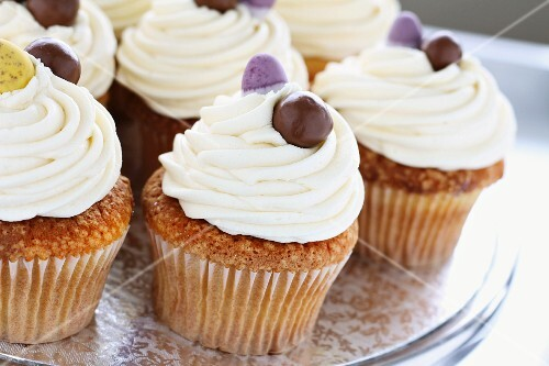 Vanilla cupcakes for Easter