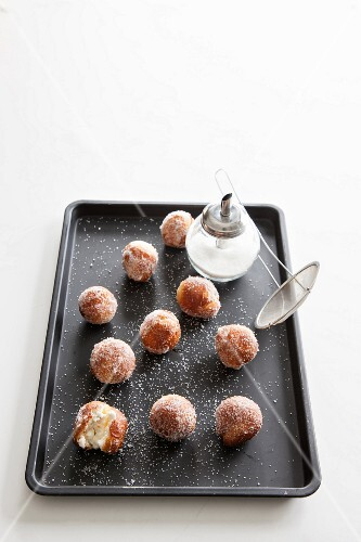 Mini doughnuts with sugar